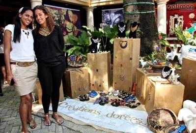 Stéphanie & Sara, producers of Créations dorées, exhibiting @ Invest in Haïti Forum @ Karibe