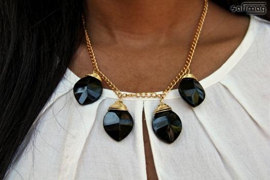 Créations dorées Semi-precious black stone on gold necklace by Stéphanie