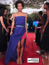 Safi molded a Blue Recycled Tablecloth On Her Body Mixed with a Little Red Skirt & Créations Dorées Ring & Belt.
